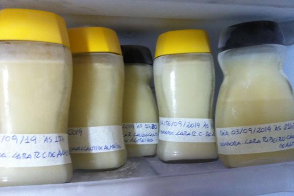 Como conservar leite materno
